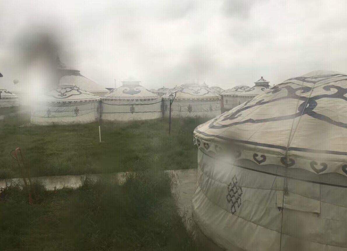 穿行于雨中的若尔盖大草原--坑爹的跟团游