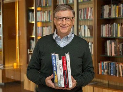 """比尔·盖茨的夏季书单又来了,他说这些""""走出去""""的书深深吸引他"""