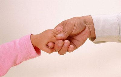发现高三女儿早恋 这位老爸的做法让全国网友惊呆(转载,有趣值得深思)